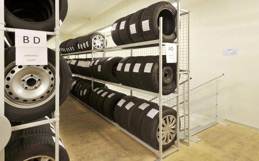 Festregal für Reifen