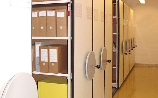 Archivregal für Archivschachteln